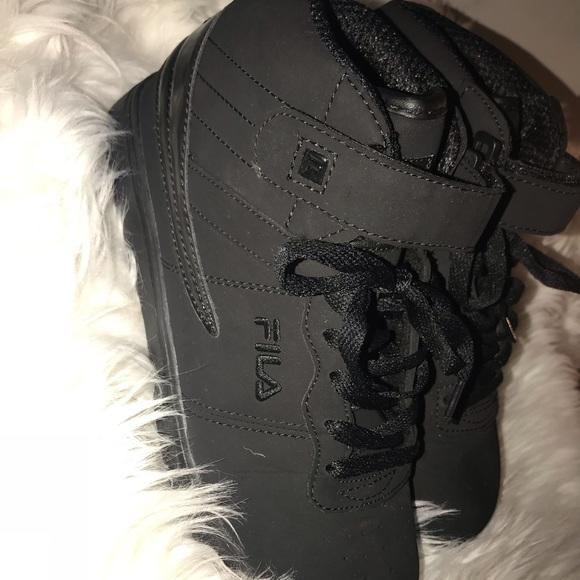 Fila Shoes | Black Suede Filas Youth 6